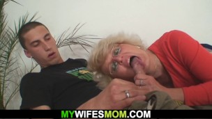 busty wife finds out hot mom and boyfriend hard giving it to